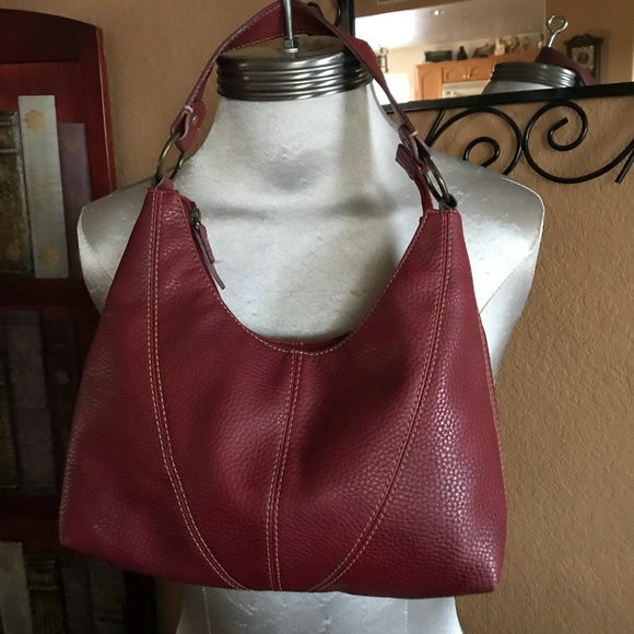 6ef156bbb500 Liz Claiborne Handbags - Liz Claiborne cranberry handbag Vintage